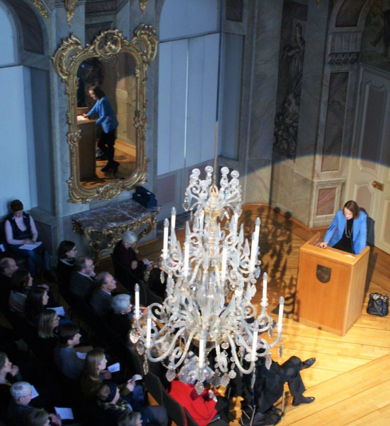 Zur Matinee zum 223. Geburtstag der Annette von Droste-Hülshoff im Erbdrostenhof am 12.01.2020 hielt Prof. Dr. Rita Morrien (Universität Paderborn) den Festvortrag. Foto: Claudia Ehlert.